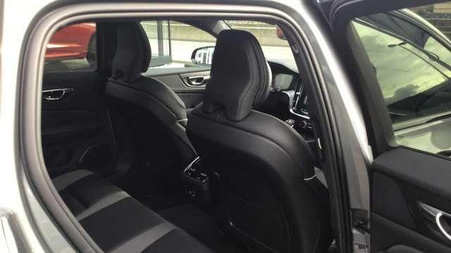 Volvo V60 II R-Design D3 Geartronic 6/15