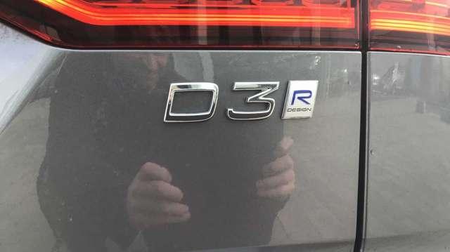 Volvo V60 II R-Design D3 Geartronic 13/15