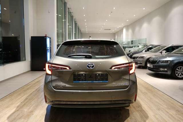 Toyota Corolla TOURING SPORTS 1.8 HYBRID DYNAMIC*SPLINTERNIEUW !! 9/15