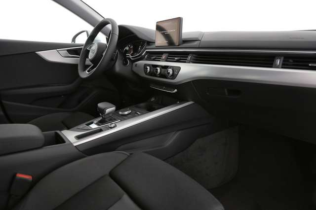 Audi A5 PRESTIGE TOUR 40 TFSI S-TRONIC + GPS + LED + PDC + 6/15