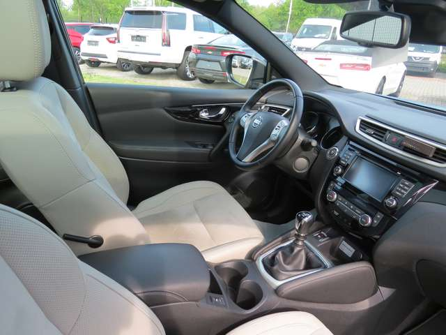 Nissan Qashqai 1.6 dCi 2WD Tekna 3/10
