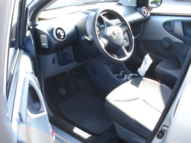 Toyota Aygo 1.4 Turbo D4D Plus (OPTION D'ACHAT) 10/10