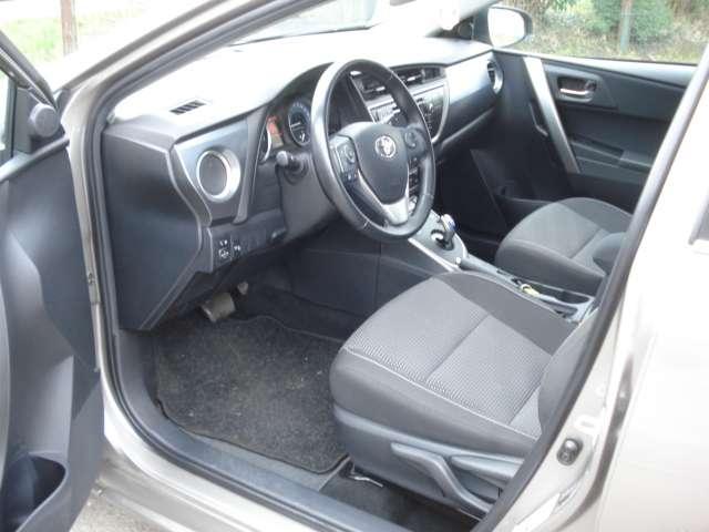 Toyota Auris 1.8i HSD Comfort CVT 4/15