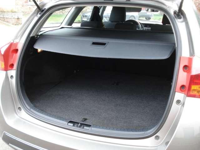 Toyota Auris 1.8i HSD Comfort CVT 5/15