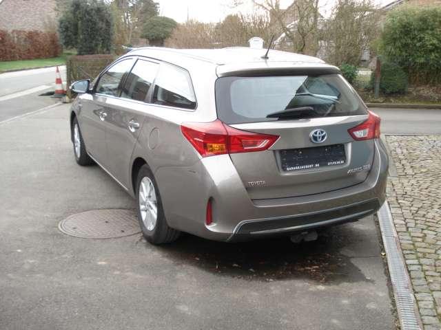 Toyota Auris 1.8i HSD Comfort CVT 7/15