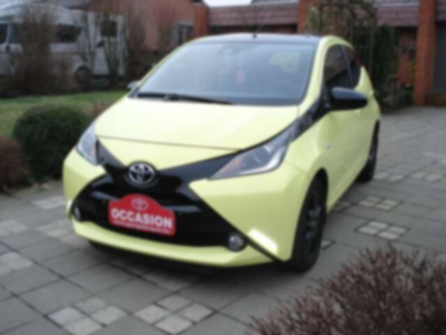 Toyota Aygo 1.0i VVT-i x-play and pack x-cite + x-perience