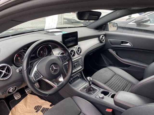 Mercedes CLA 200 d S-Brake 9/13