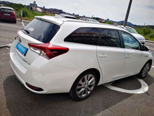 Toyota Auris Lounge 2/12