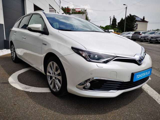 Toyota Auris Lounge 3/12