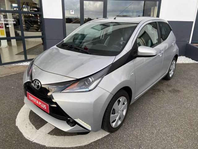 Toyota Aygo 1.0i VVT-i x-play M/M 1/6