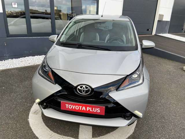 Toyota Aygo 1.0i VVT-i x-play M/M 2/6
