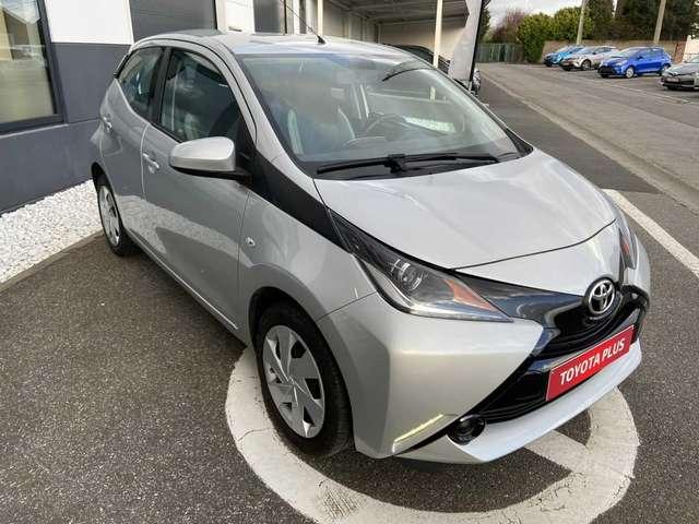Toyota Aygo 1.0i VVT-i x-play M/M 3/6