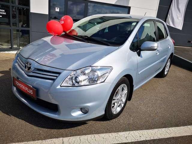 Toyota Auris Executive II 1/15