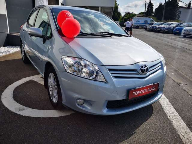 Toyota Auris Executive II 2/15