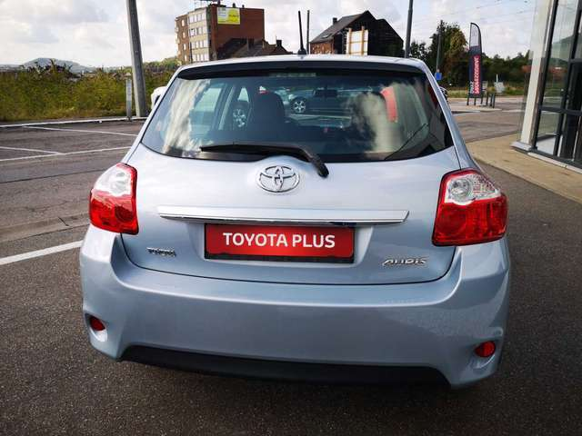 Toyota Auris Executive II 5/15