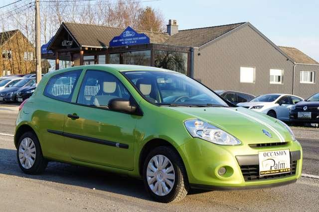Renault Clio 1.2i Authentique 2/6