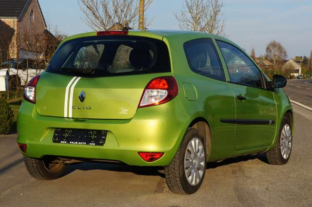 Renault Clio 1.2i Authentique 3/6