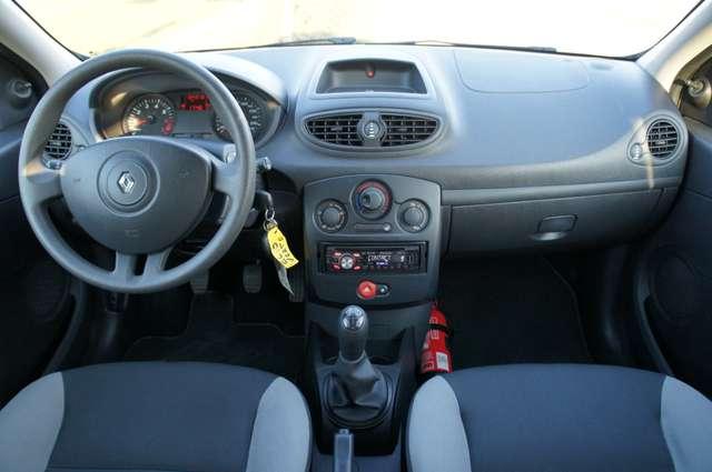 Renault Clio 1.2i Authentique 5/6
