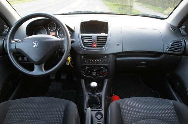 Peugeot 206 + 1.1i Urban 4/5