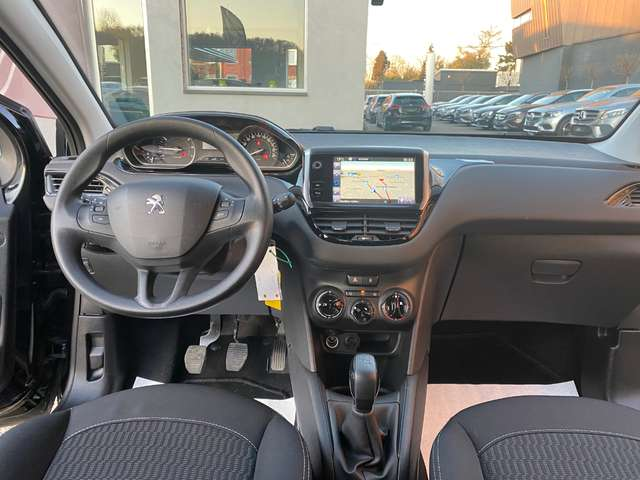 Peugeot 208 1.2i**GARANTIE 12 MOIS*1er PROPRIETAIRE*GPS** 8/14