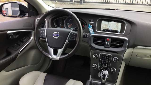 Volvo V40 Cross Country V40 CC Cross Country T4 (180) AUT Summum 7/15