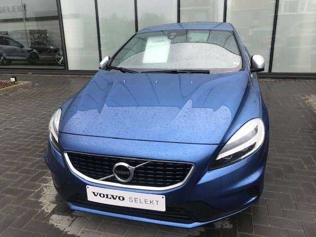 Volvo V40 Sport Edition T2 Geartronic Benzine 2/15