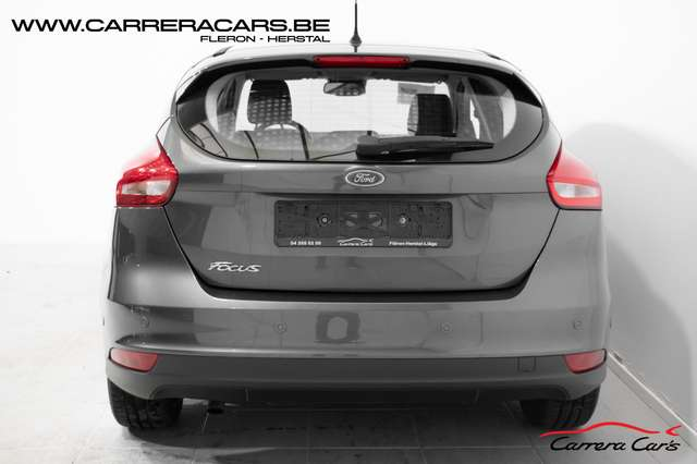 Ford Focus 1.5 TDCi ECOnetic|*NAVI*PARK ASSIST*CRUISE*AIRCO*| 5/15