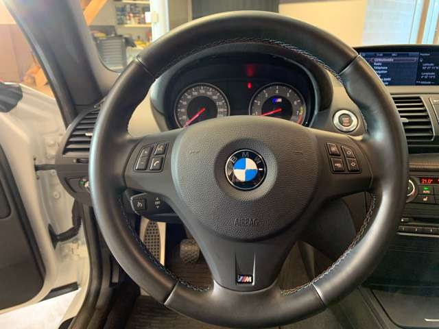 BMW 1er M Coupé 3.0i Collector Full Options + Akrapovic 15/15
