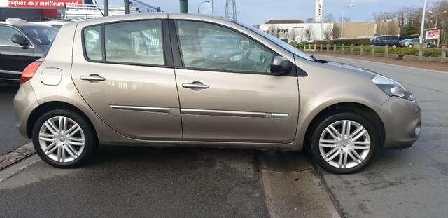 Renault Clio 1.6i Initiale**FULL OPTIONS**BOITE AUTO**70.000km 5/15