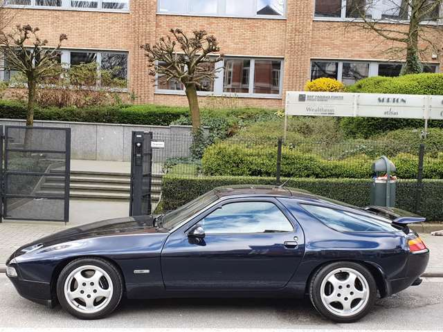 Porsche 928 GTS 7/15