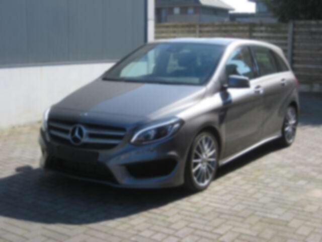 Mercedes B 180 EDITION AMG CAMERA LED LEDER
