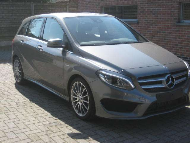 Mercedes B 180 EDITION AMG CAMERA LED LEDER 2/11