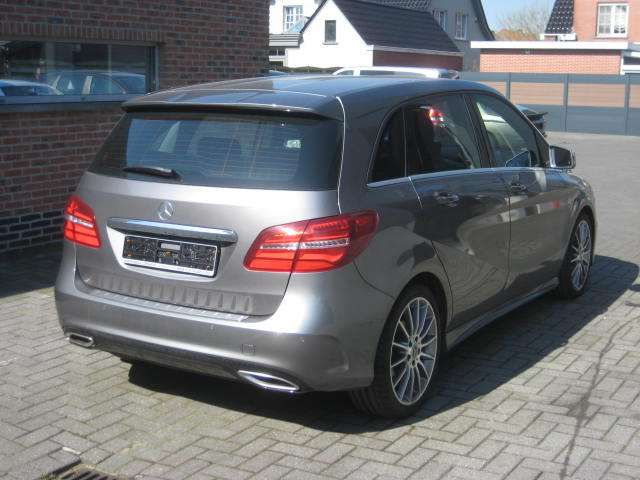 Mercedes B 180 EDITION AMG CAMERA LED LEDER 3/11