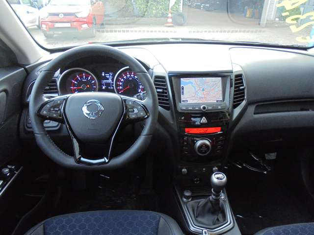 SsangYong XLV 1.6i e-XGi 2WD Forward - CNG - 4/9