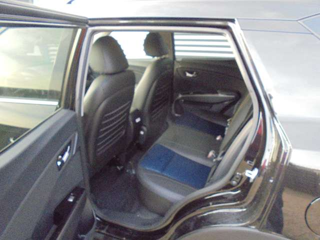 SsangYong XLV 1.6i e-XGi 2WD Forward - CNG - 6/9