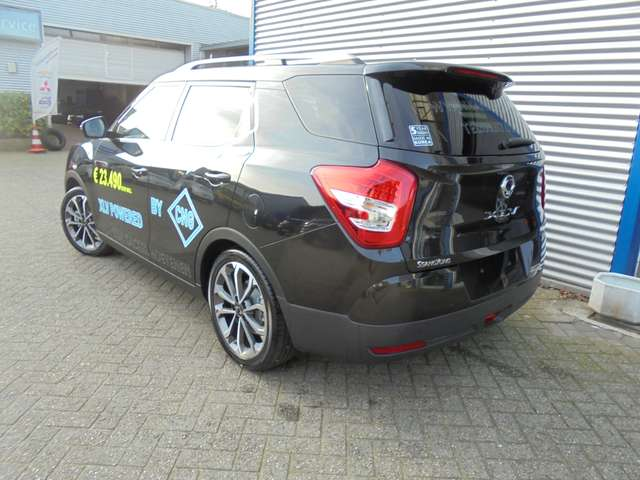 SsangYong XLV 1.6i e-XGi 2WD Forward - CNG - 8/9