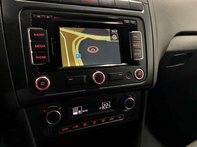Volkswagen Polo 1.2i Comfortline 5 Portes Airco GPS Park Assist 12/15