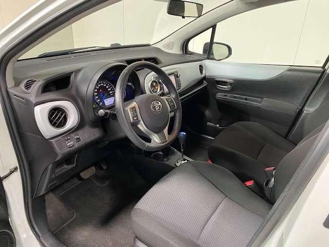 Toyota Yaris 1.5 Hybride automaat - GPS - Airco - Topstaat! 2/15