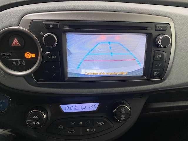 Toyota Yaris 1.5 Hybride automaat - GPS - Airco - Topstaat! 14/15