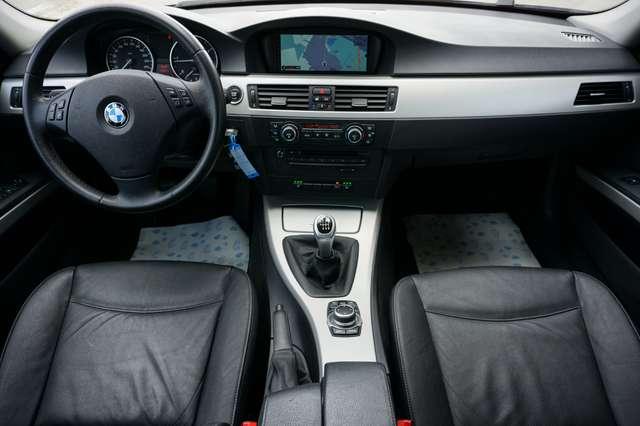 BMW 318 D Euro 5/ Navi/Leder/80Dkm/**Garantie** 8/15