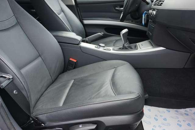 BMW 318 D Euro 5/ Navi/Leder/80Dkm/**Garantie** 11/15