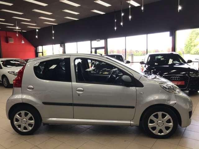 Peugeot 107 1.0i Urban Move**AIRCO**5-DEURS**SERVO*ELEC-RUITEN 6/12