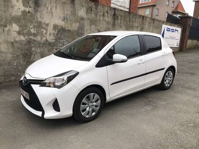 Toyota Yaris 1.3i VVT-i Active and pack Live 2 TVA RECUP 2/15