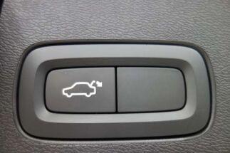 Volvo XC60 D4 Automaat Momentum Pro Pilot Assist BLIS Harm K