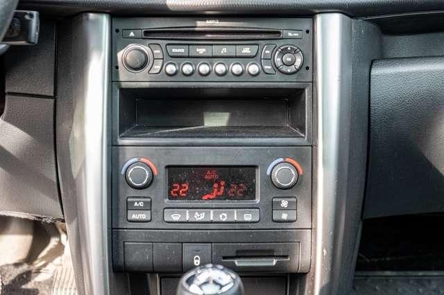 Peugeot 207 1.6 HDi Outdoor   Garantie 12M 11/15