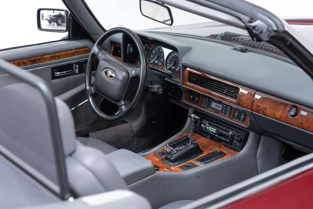 Jaguar XJ 5.3 V12 Convertible - First owner - Originally Dut 15/15