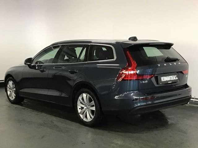 Volvo V60 Momentum Pro D3 2/10