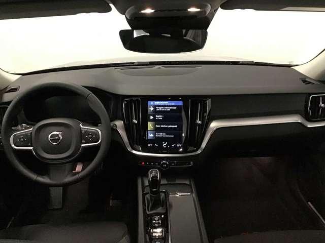 Volvo V60 Momentum Pro D3 6/10