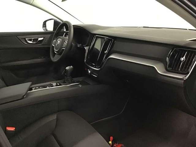 Volvo V60 Momentum Pro D3 9/10