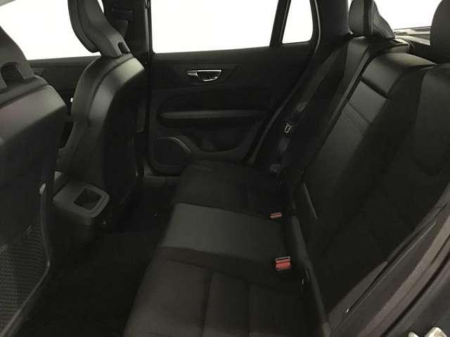 Volvo V60 Momentum Pro D3 10/10
